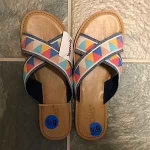 TOMS Southwest Pattern Slide Sandals Size 6.5 NWT